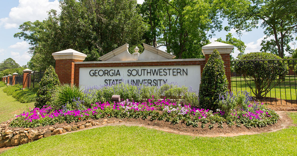 GSW sign and flowers